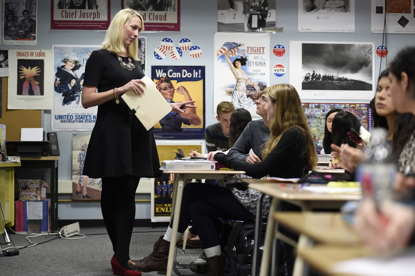 Teacher Meg Honey listens to students in an AP U.S. History class at Northgate High School in Walnut Creek, California. TNS.